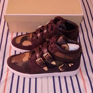 Michael Kors Robin High Top Sneaker